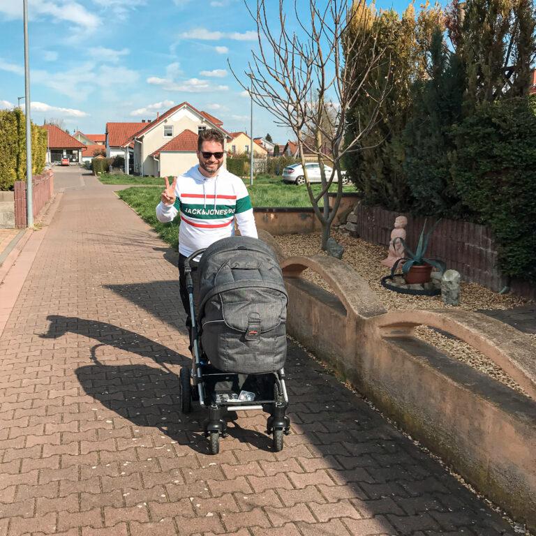 Martin Noack mit Kinderwagen